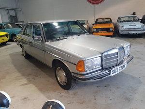 1982  Mercedes Benz 200 - 1 Owner 75k