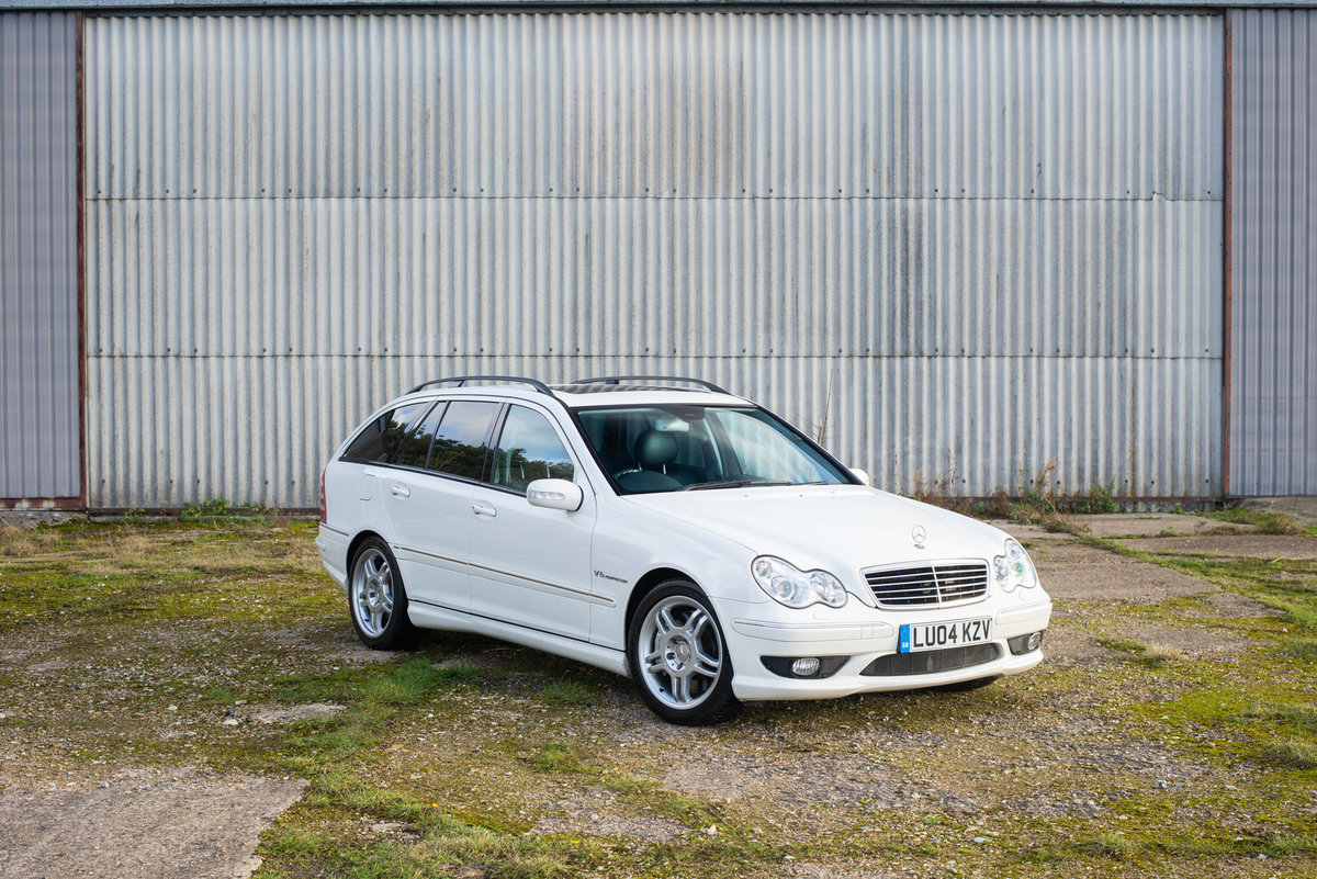 2004 Mercedes C32 AMG Estate - 42k Miles - Exceptional SOLD (picture 1 of 6)