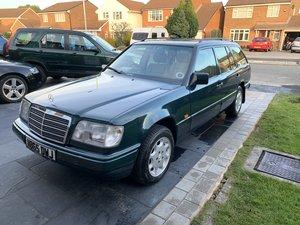 1996 Mercedes W124 E220 Estate