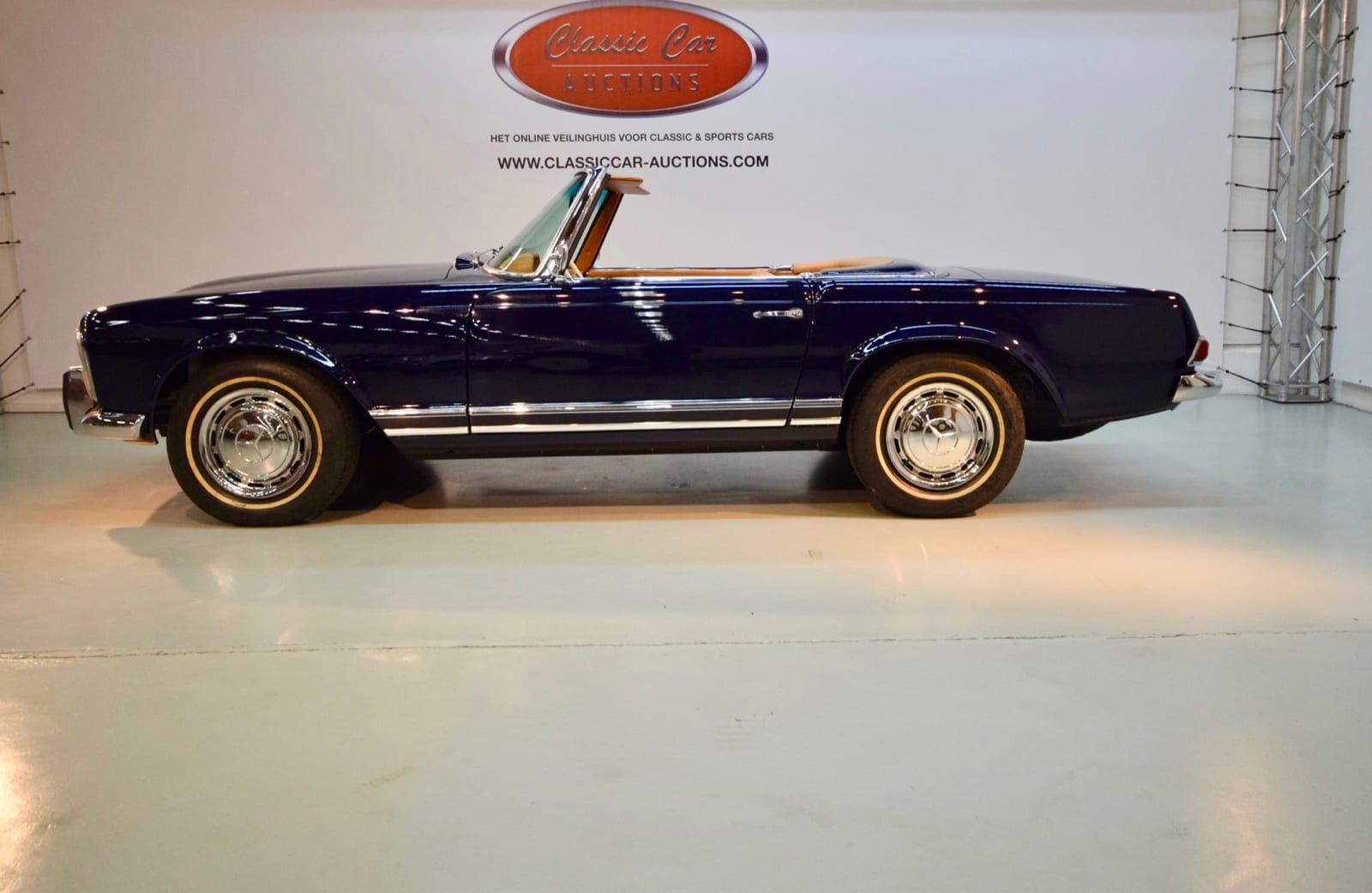 Mercedes-Benz 230 SL Pagode 1964 For Sale by Auction (picture 4 of 6)