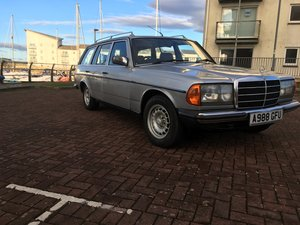 1984 Mercedes Benz W123 7 seat estate auto For Sale