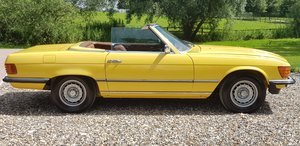 1973 LOVELY  SL350  IN  FACTORY  YELLOW  LOW  MILES  FSH  For Sale (picture 4 of 6)