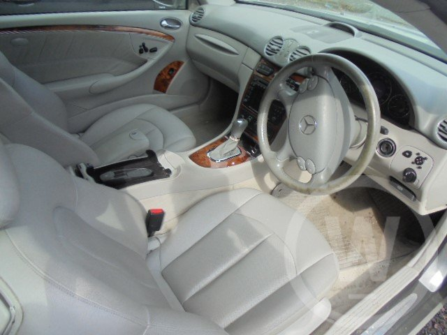 2004 mercedes bez clk320 petrol  For Sale (picture 3 of 6)