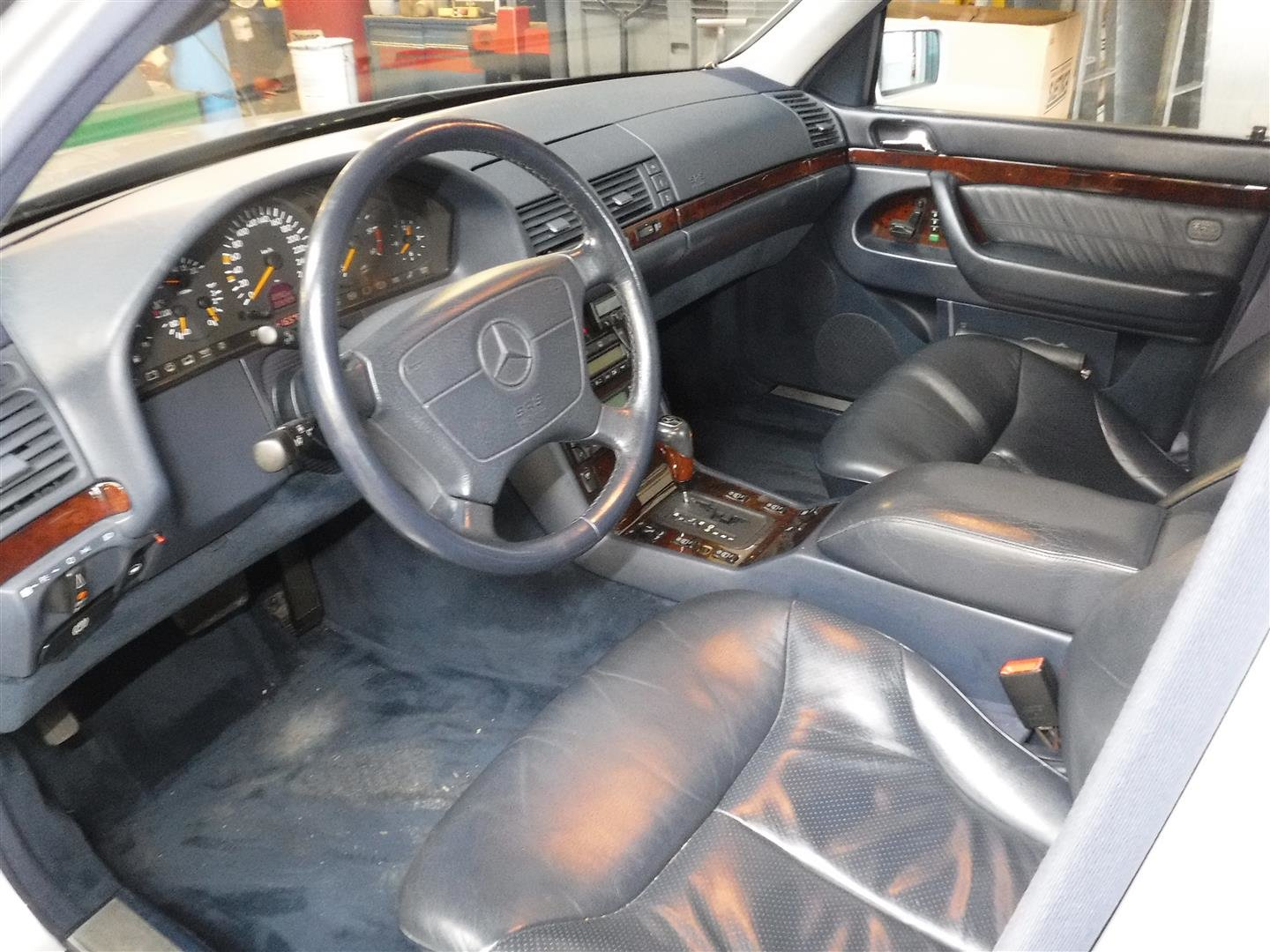 Mercedes 300 TD Sedan 1998 For Sale (picture 3 of 6)