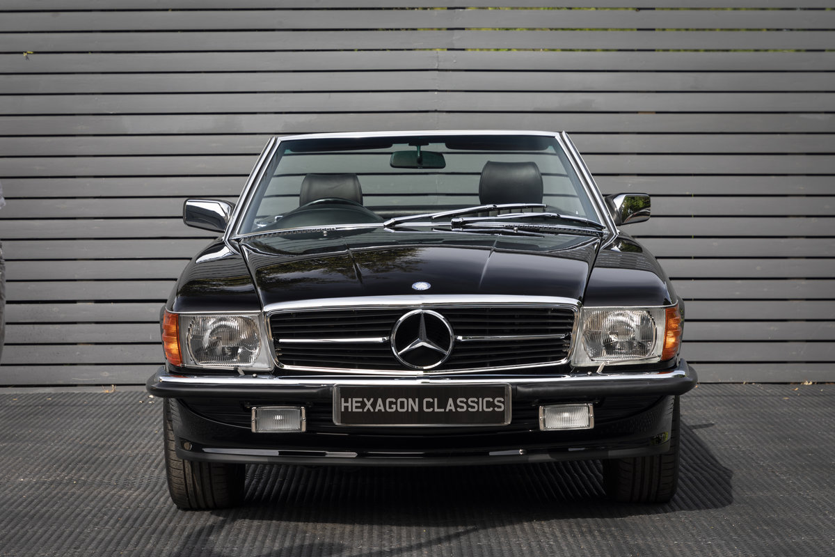 1988 Mercedes 500SL R107 ONLY 4700 MILES For Sale (picture 6 of 24)