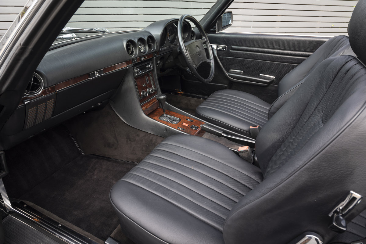 1988 Mercedes 500SL R107 ONLY 4700 MILES For Sale (picture 9 of 24)