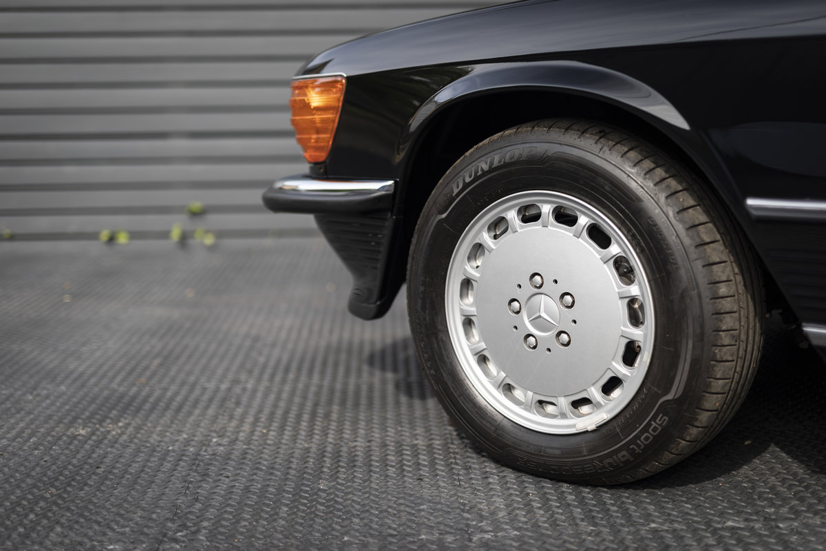 1988 Mercedes 500SL R107 ONLY 4700 MILES For Sale (picture 16 of 24)