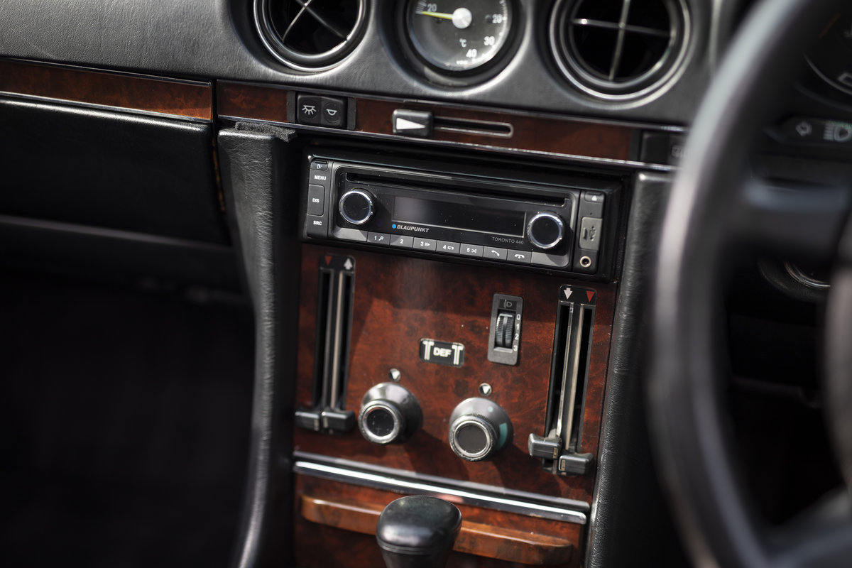1988 Mercedes 500SL R107 ONLY 4700 MILES For Sale (picture 20 of 24)