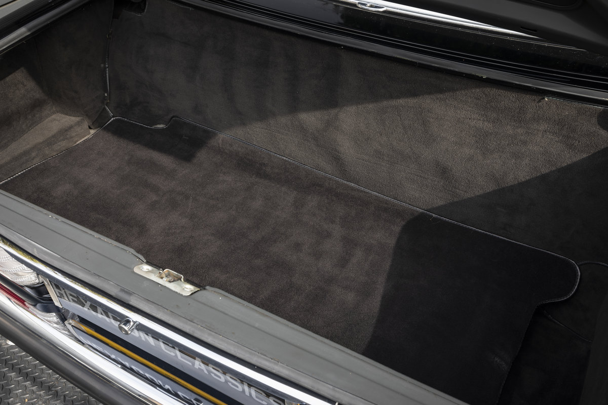 1988 Mercedes 500SL R107 ONLY 4700 MILES For Sale (picture 23 of 24)