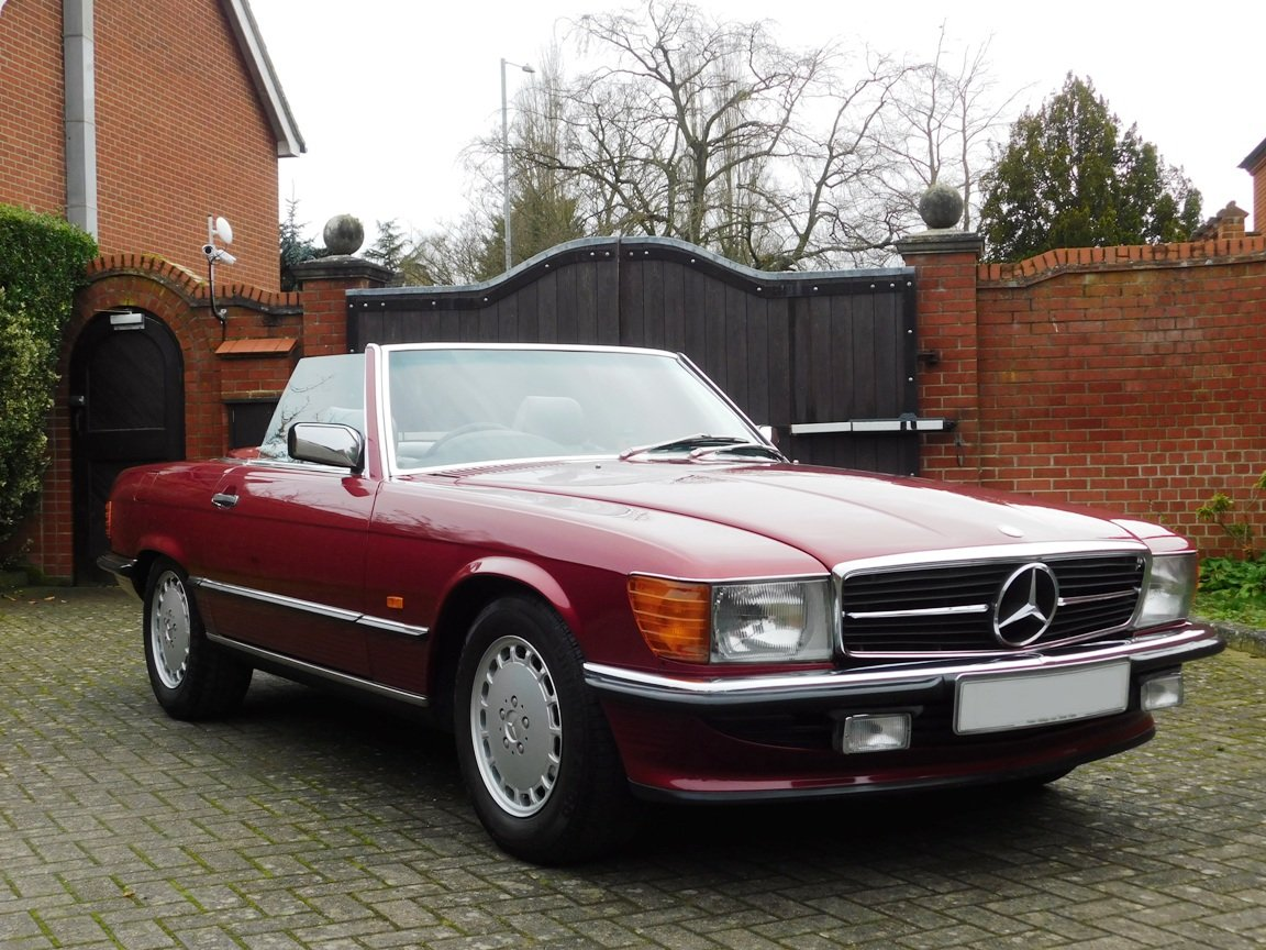 1989 Mercedes-Benz 300SL Convertible Automatic For Sale (picture 1 of 16)