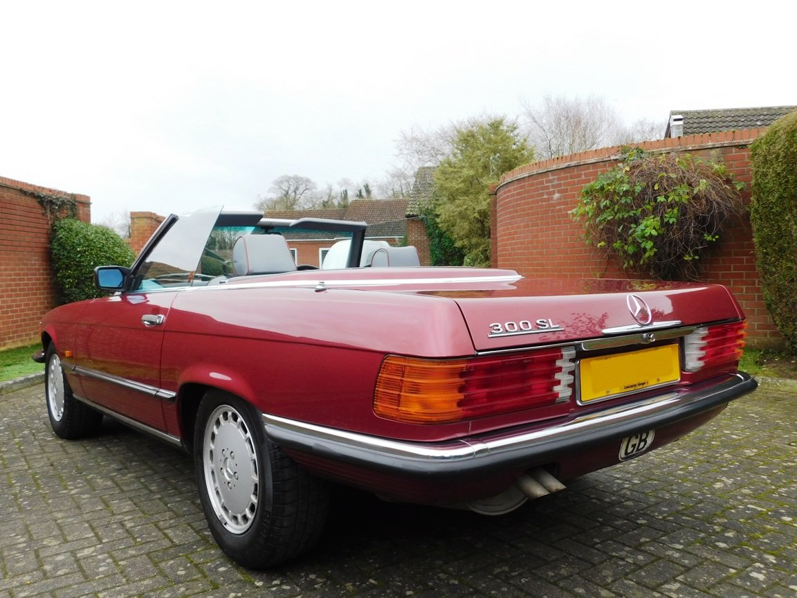 1989 Mercedes-Benz 300SL Convertible Automatic For Sale (picture 5 of 16)