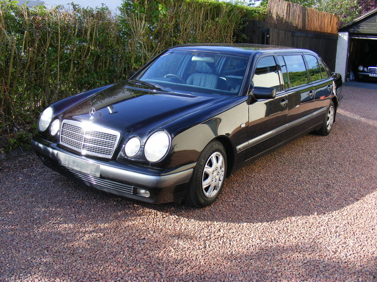 1999 classic mercedes limousine For Sale (picture 1 of 5)