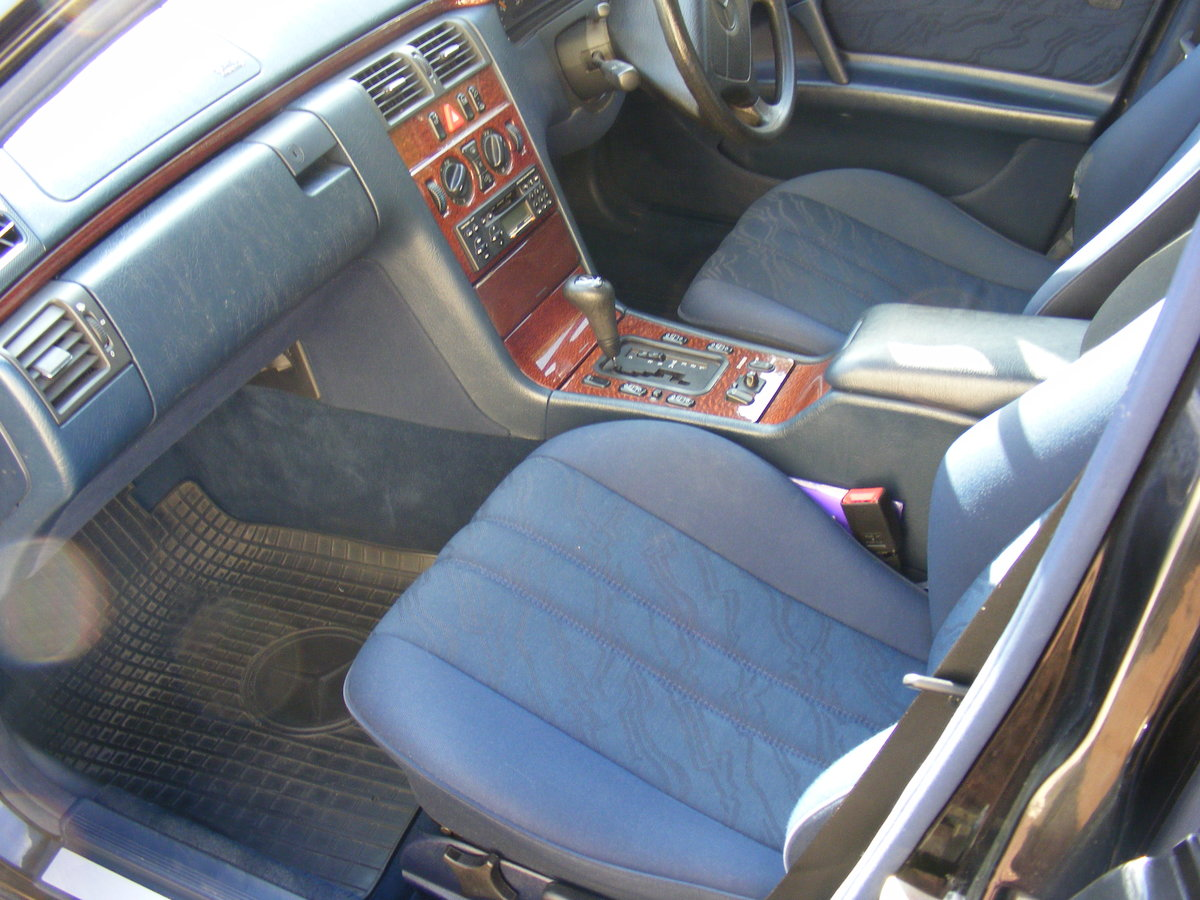 1999 classic mercedes limousine For Sale (picture 4 of 5)