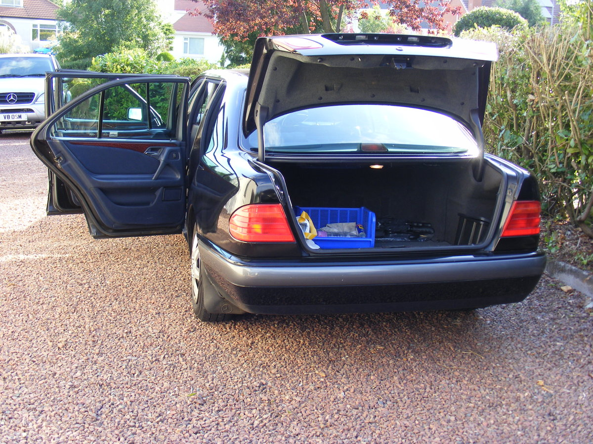 1999 classic mercedes limousine For Sale (picture 5 of 5)