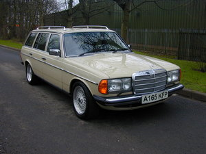 1984 MERCEDES BENZ W123 500te V8 ESTATE - RHD - ROLLING THUNDER! For Sale