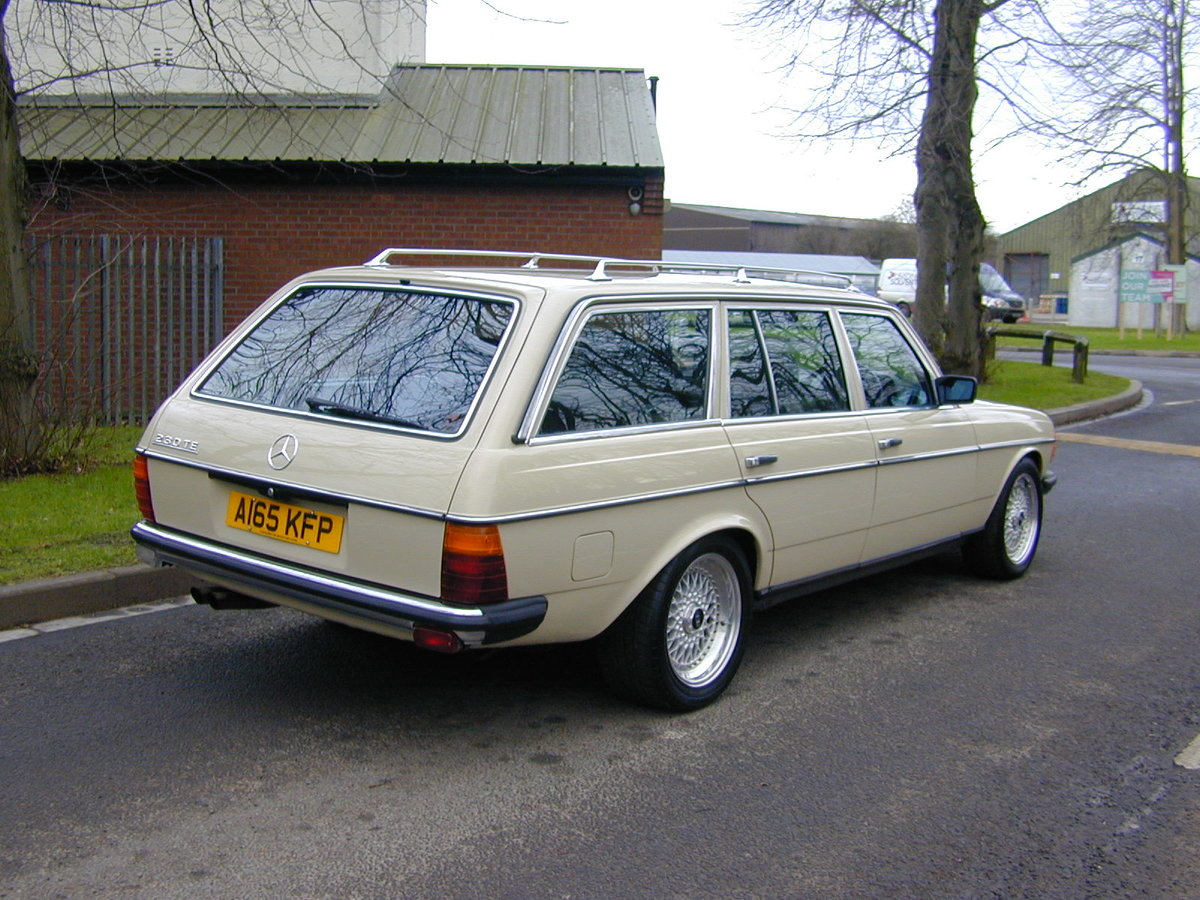 1984 MERCEDES BENZ W123 500te V8 ESTATE - RHD - ROLLING THUNDER! For Sale (picture 3 of 6)