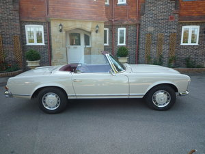 1967 Mercedes 250SL RHD - Great Condition