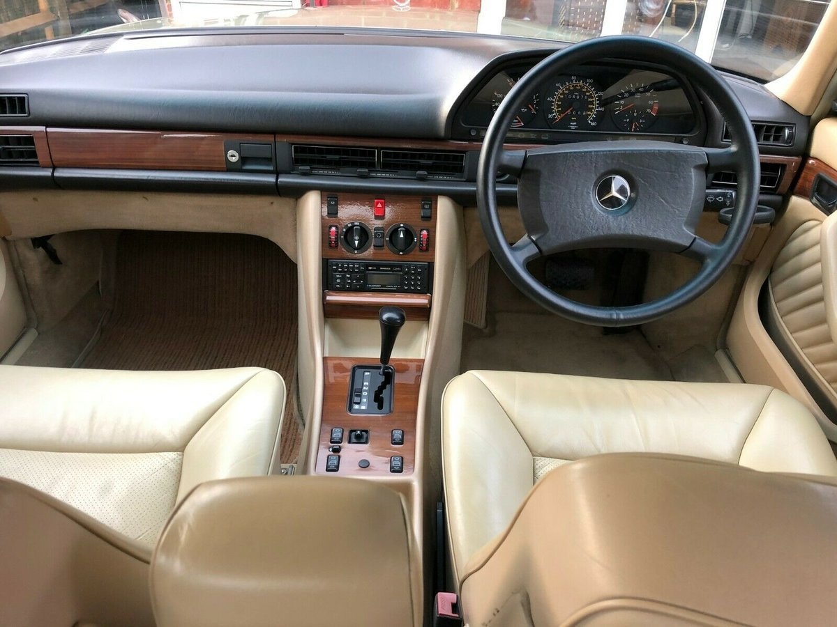 1986 Mercedes 300 se w126 For Sale (picture 1 of 5)