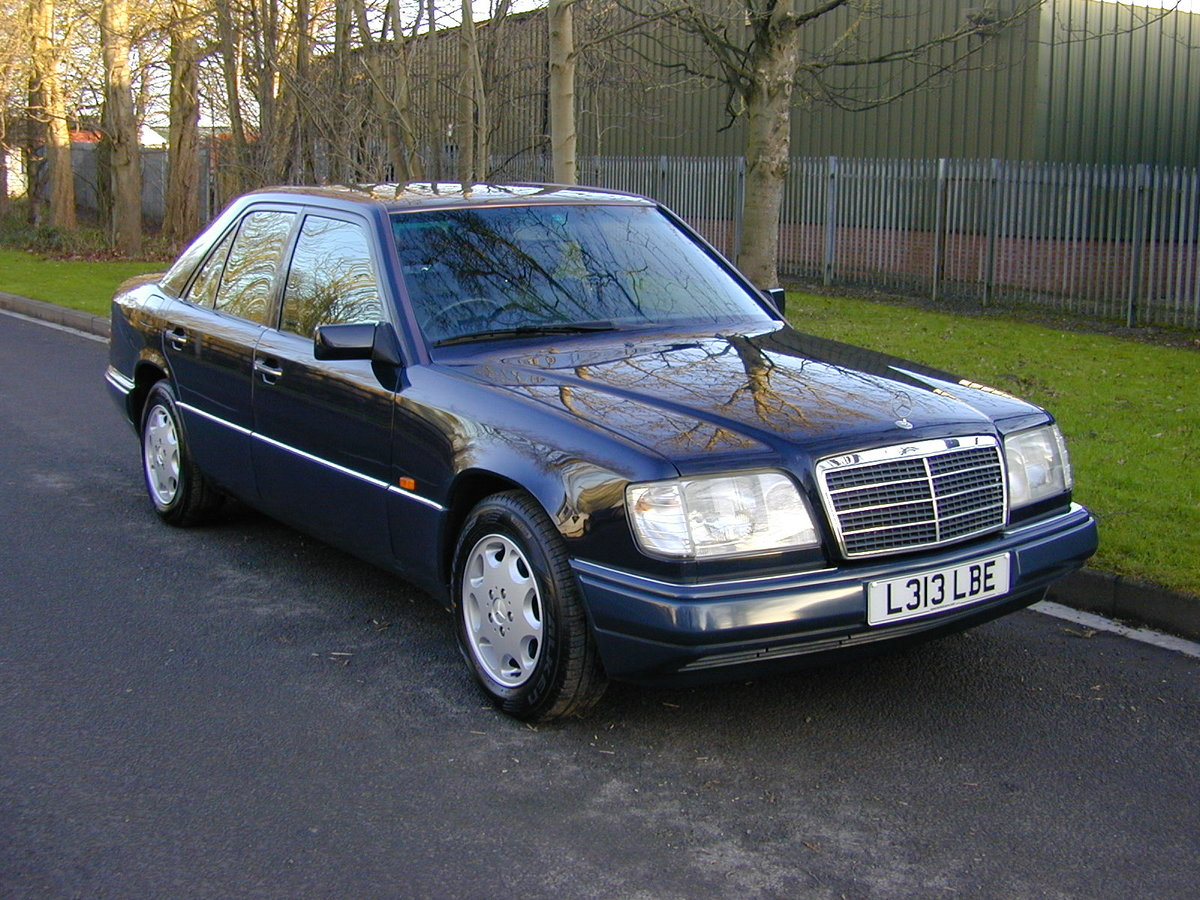 1993 MERCEDES BENZ W124 e280 Saloon - AIR CON - RHD - EX JAPAN ! For Sale (picture 1 of 6)