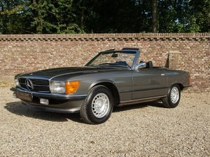 1971 Mercedes Benz 350SL W107 fully restored, TOP condition, Euro