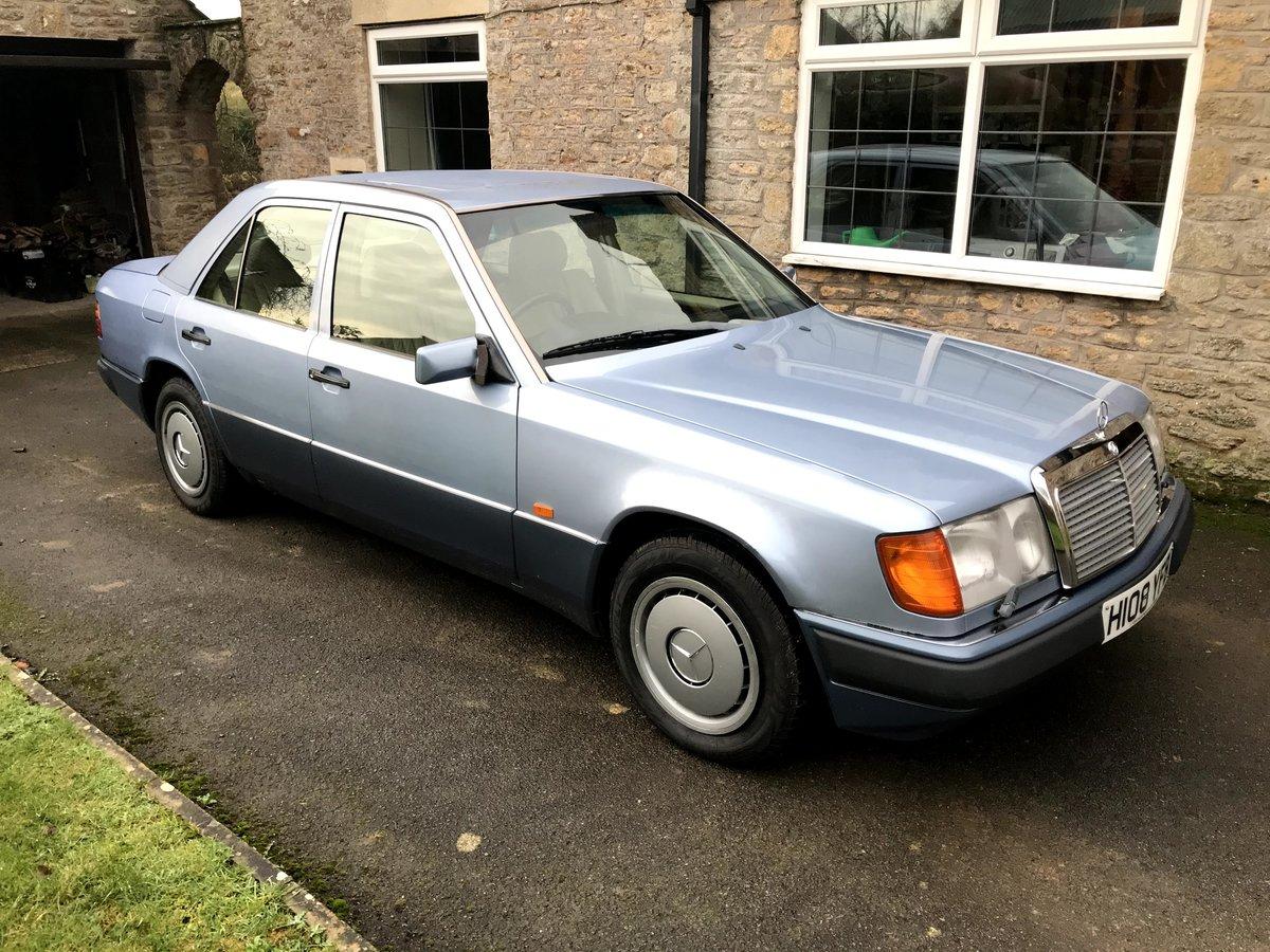 1990 Mercedes W124 260E Auto  For Sale (picture 1 of 6)