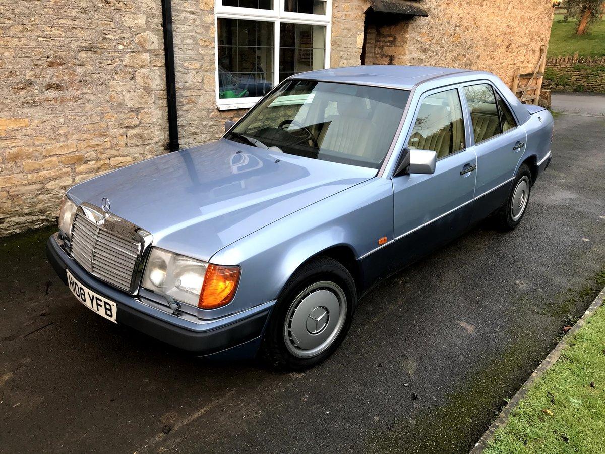 1990 Mercedes W124 260E Auto  For Sale (picture 2 of 6)