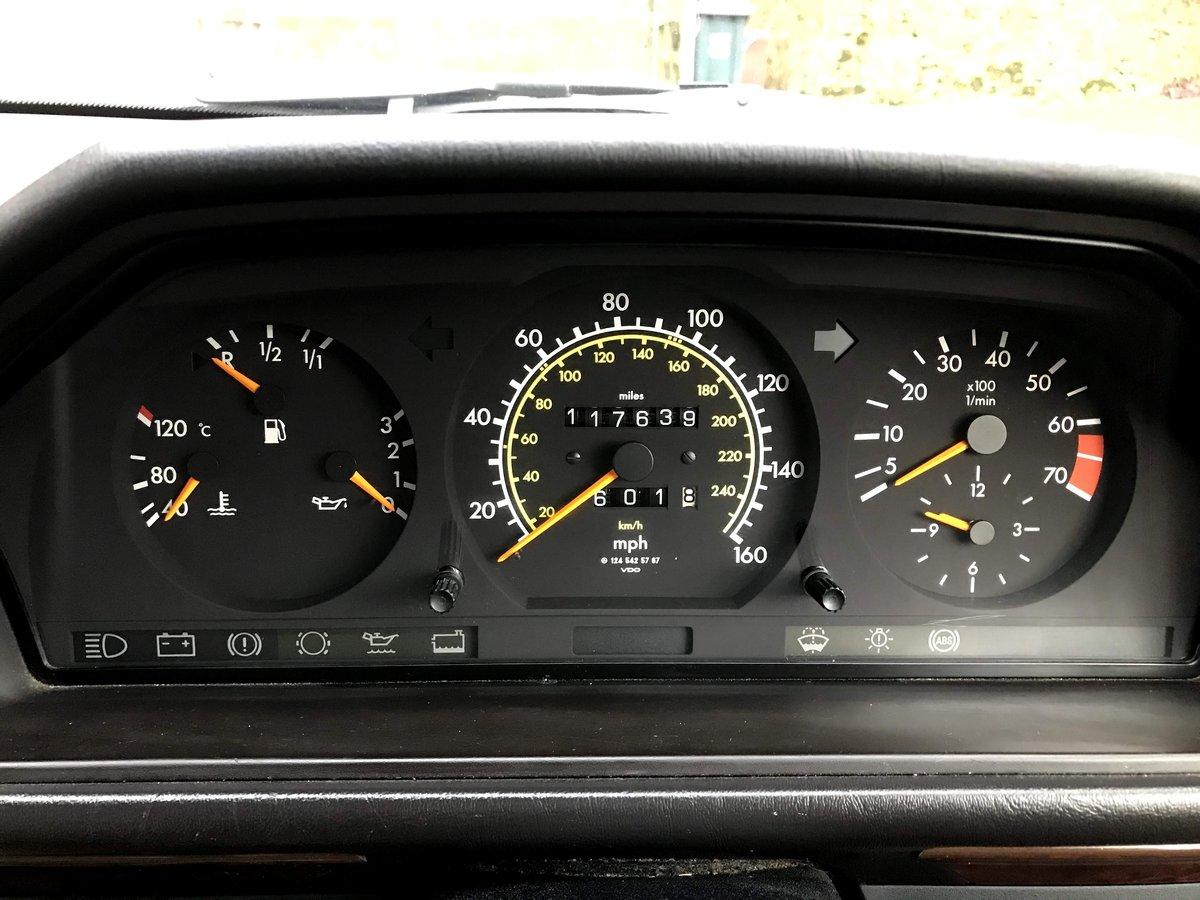 1990 Mercedes W124 260E Auto  For Sale (picture 4 of 6)