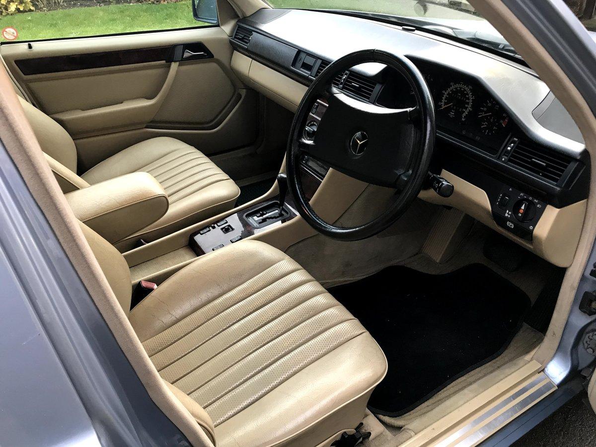 1990 Mercedes W124 260E Auto  For Sale (picture 5 of 6)
