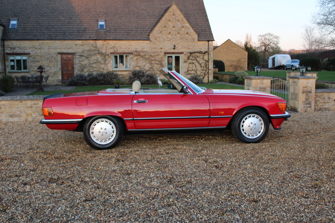 1989 MERCEDES 300 SL (BEST AVAILABLE) – £69,950 For Sale (picture 9 of 20)