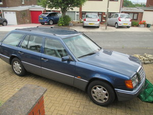 1992 Mercedes 300TE  £4k of receipts.