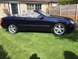 2005 Mercedes CLK 320 convertible auto low miles aventg