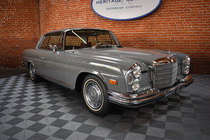 1971 Mercedes Benz 280SE 3.5 Coupe w/ Factory Sunroof