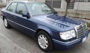 1992 MERCEDES BENZ W124 300D TD
