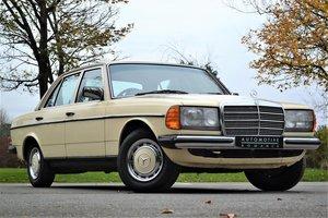 1981 MERCEDES-BENZ 230SE SALOON AUTO  For Sale