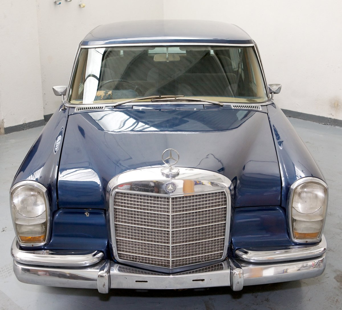 1972 Mercedes 600 RHD available for restoration For Sale (picture 2 of 3)