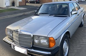 1984 W123 230E Stunning example For Sale