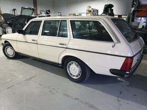 1984 MERCEDES 200 T KOMBI SERVICE BOOK, AIR COND 12000 EURO For Sale