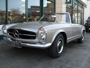 1966 Mercedes Benz 230SL Pagoda