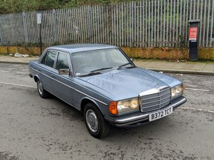 Mercedes 230E W123 manual 1985 classic For Sale