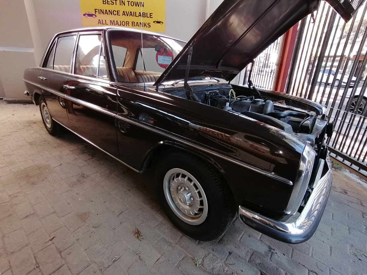 1970 Mercedes Benz 200 For Sale (picture 1 of 6)
