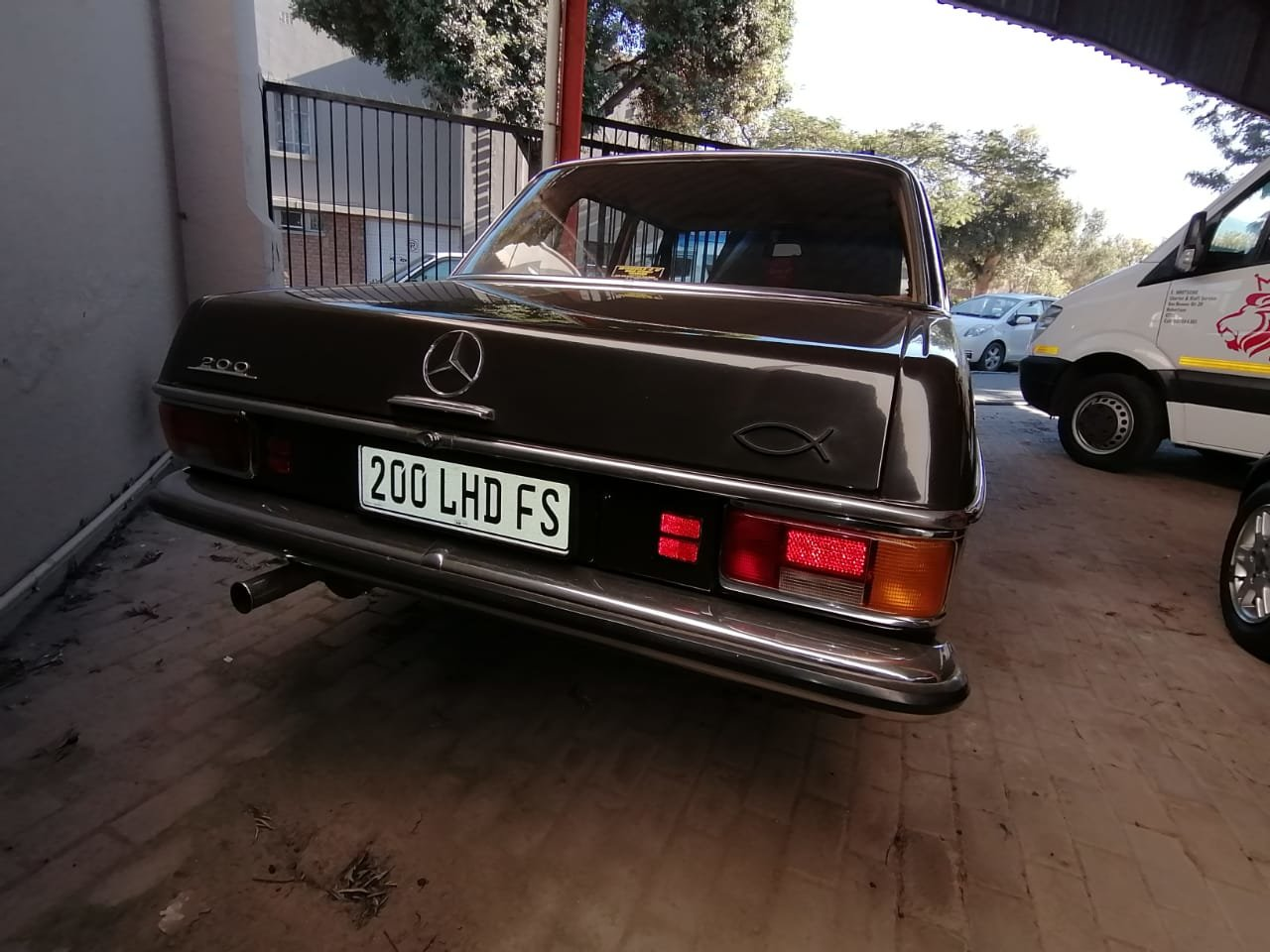1970 Mercedes Benz 200 For Sale (picture 3 of 6)