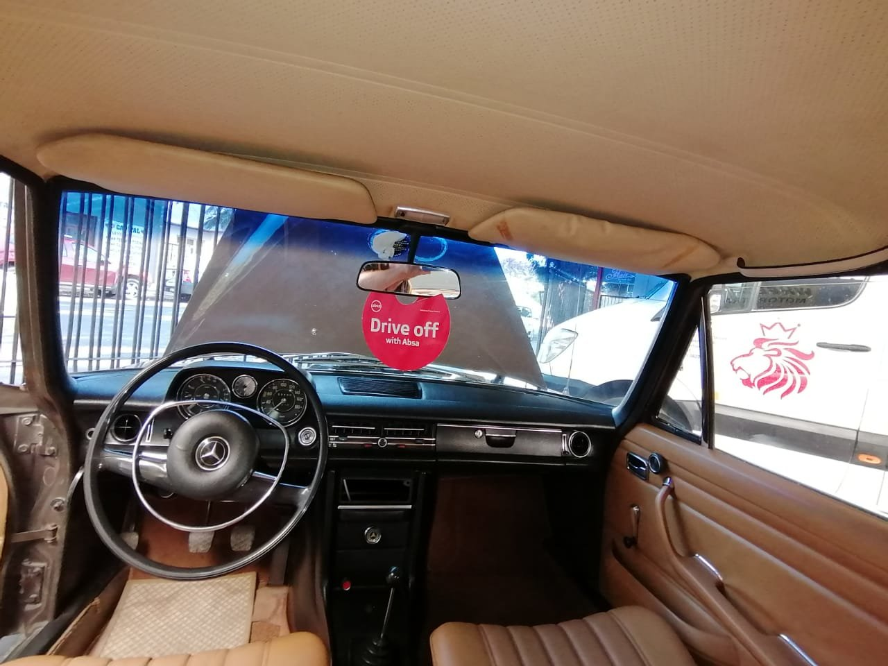 1970 Mercedes Benz 200 For Sale (picture 4 of 6)