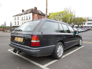 1993 Mercedes W124 e300td turbo auto estate ex survelliance  LHD For Sale