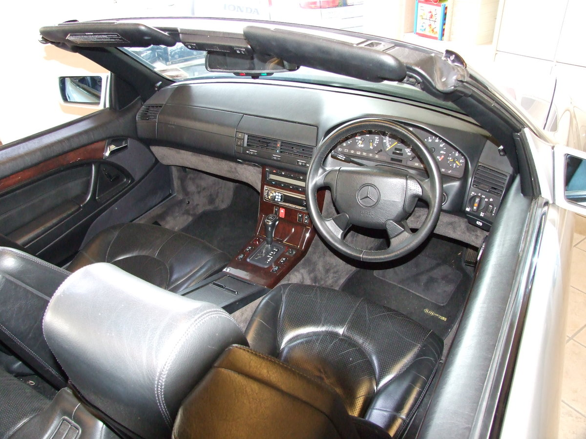 1996 Genuine 59,000 mile SL320 For Sale (picture 3 of 4)