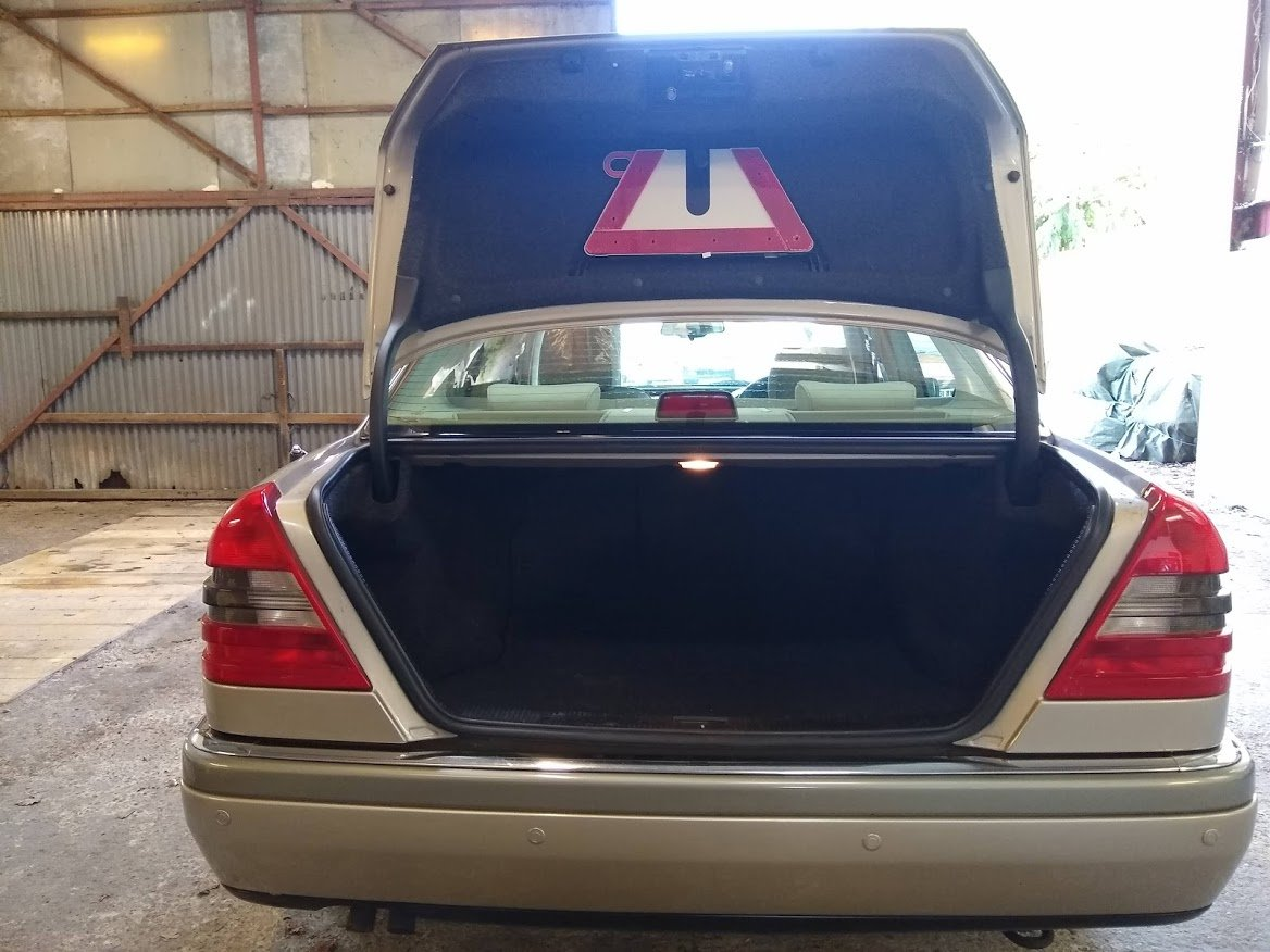 1996 Mercedes C200 Auto timewarp for auction 16th-17th July SOLD by Auction (picture 2 of 6)