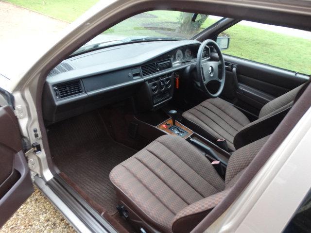1991 MERCEDES 190E 1.8 AUTO For Sale (picture 4 of 6)