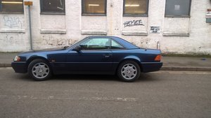 1995 Mercedes benz sl280. convertible with hardtop