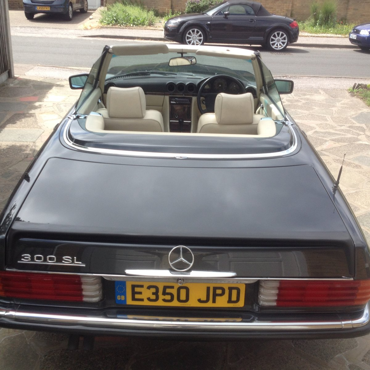 1988/E Mercedes 300SL R107  FSH    HPI CLEAR    For Sale (picture 3 of 6)