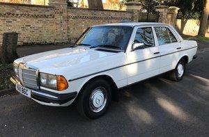 1985  Mercedes-Benz 230 E Auto