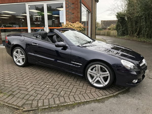 2008 MERCEDES-BENZ SL350 SPORT (Just 12,000 miles from new)